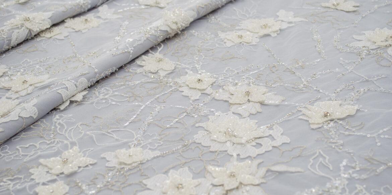 Appliquéd lace