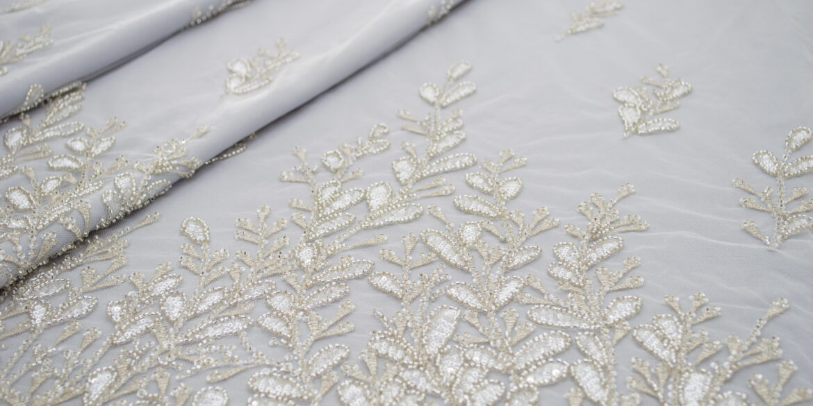 Embroidered double sided lace