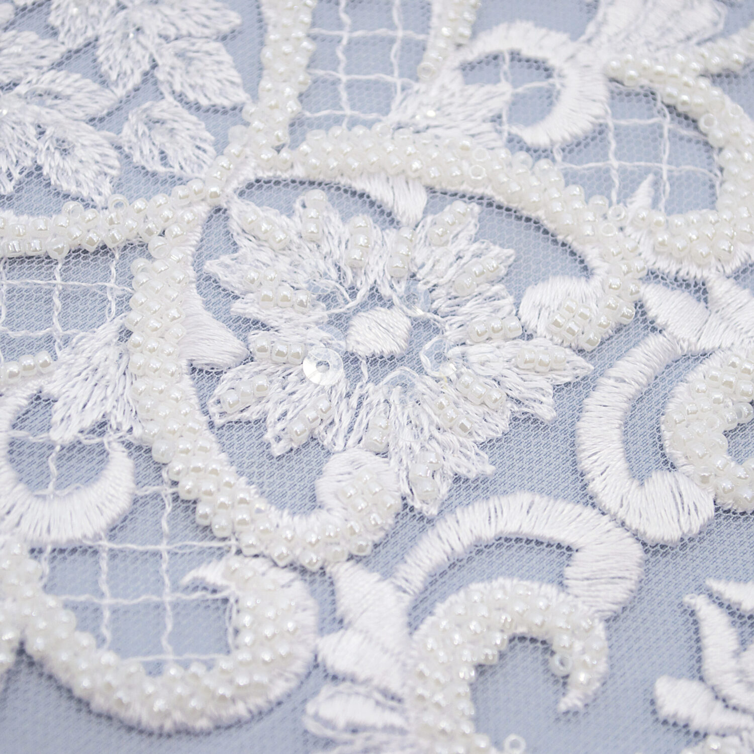 Embroidered lace trim AM13638-1QF2-N44
