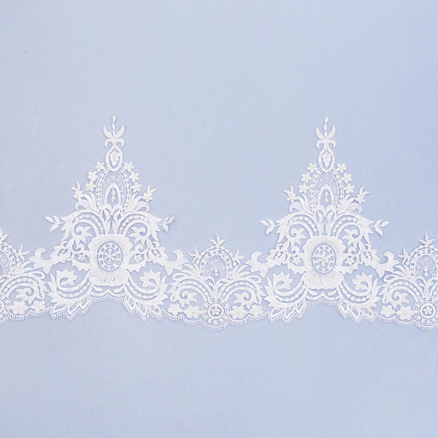 Embroidered lace trim AM13681D3FB-N44