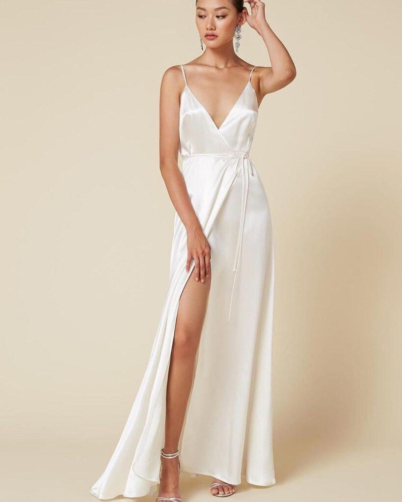 Блискуча тканина для весільної сукні