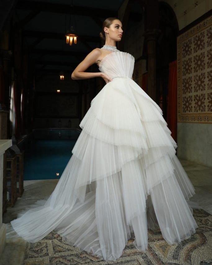 пишне весільне плаття