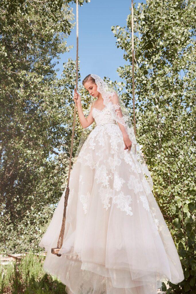 Фата невесты испанка