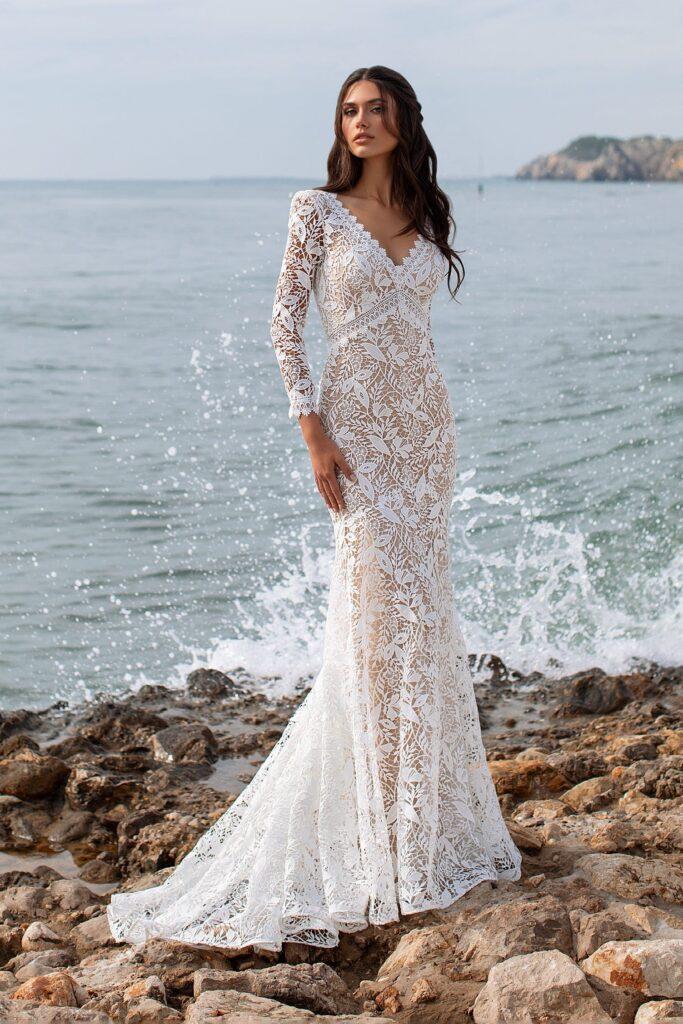 свадебное платье с кружевом макраме