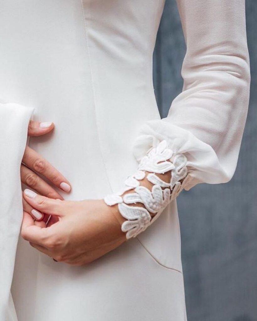 motifs 'Rishelie' in wedding dress