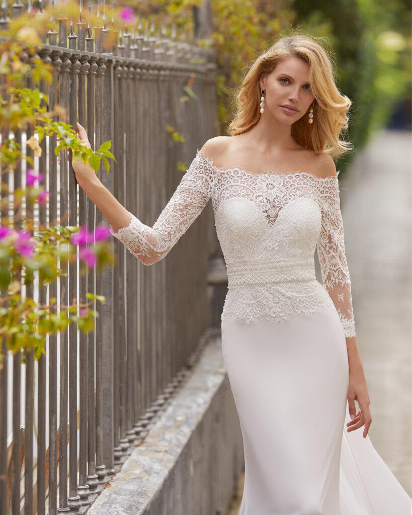 Chantilie for a wedding dress Rosa Clara